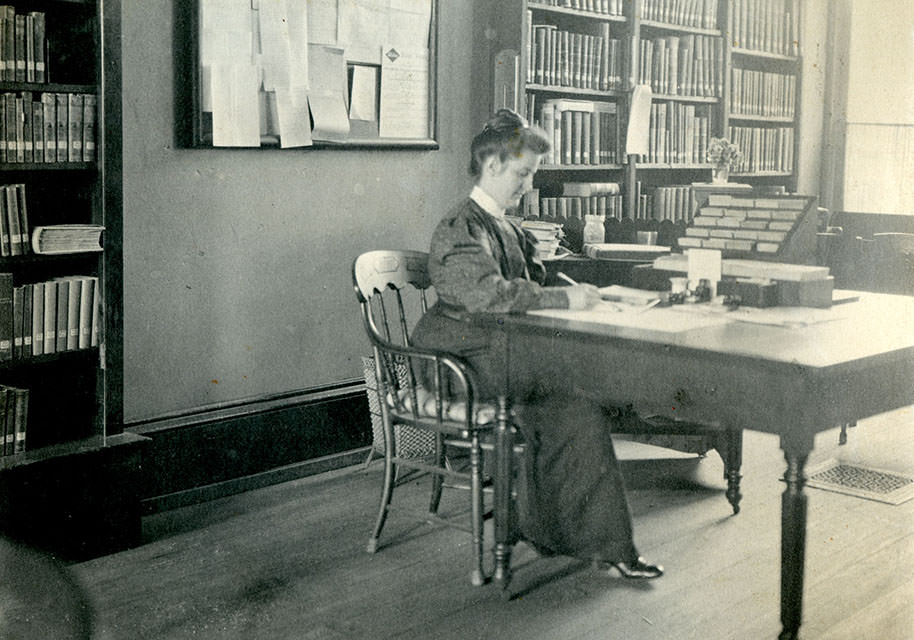 Librarian Harriet Holcombe, c. 1906 (From the collection of the Mercer Museum Library of the Bucks County Historical Society)
